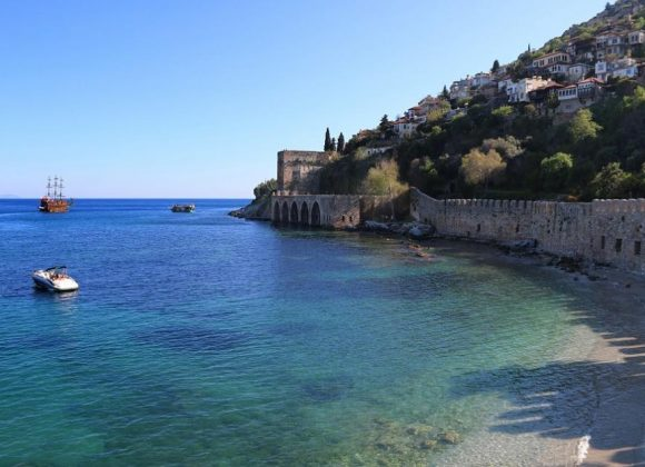 Alanya hosts one out of 10 tourısts ın Turkey